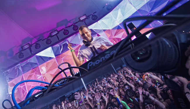 Full Weekend: Kaskade will play Marquee clubs & EDC Vegas. Photo: Ashley Suszczynski