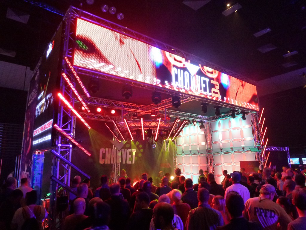 Packed: DJ Expo's exhibit hall draws crowds, top gear.