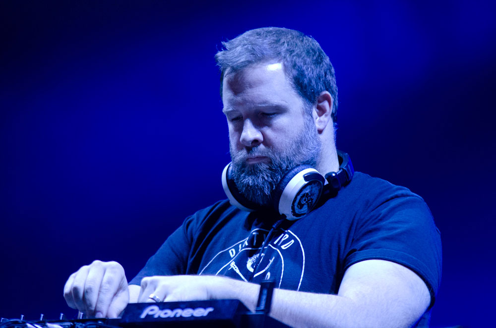 Dirtybird: Claude von Stroke mixes it up. © EarthMusic Photography