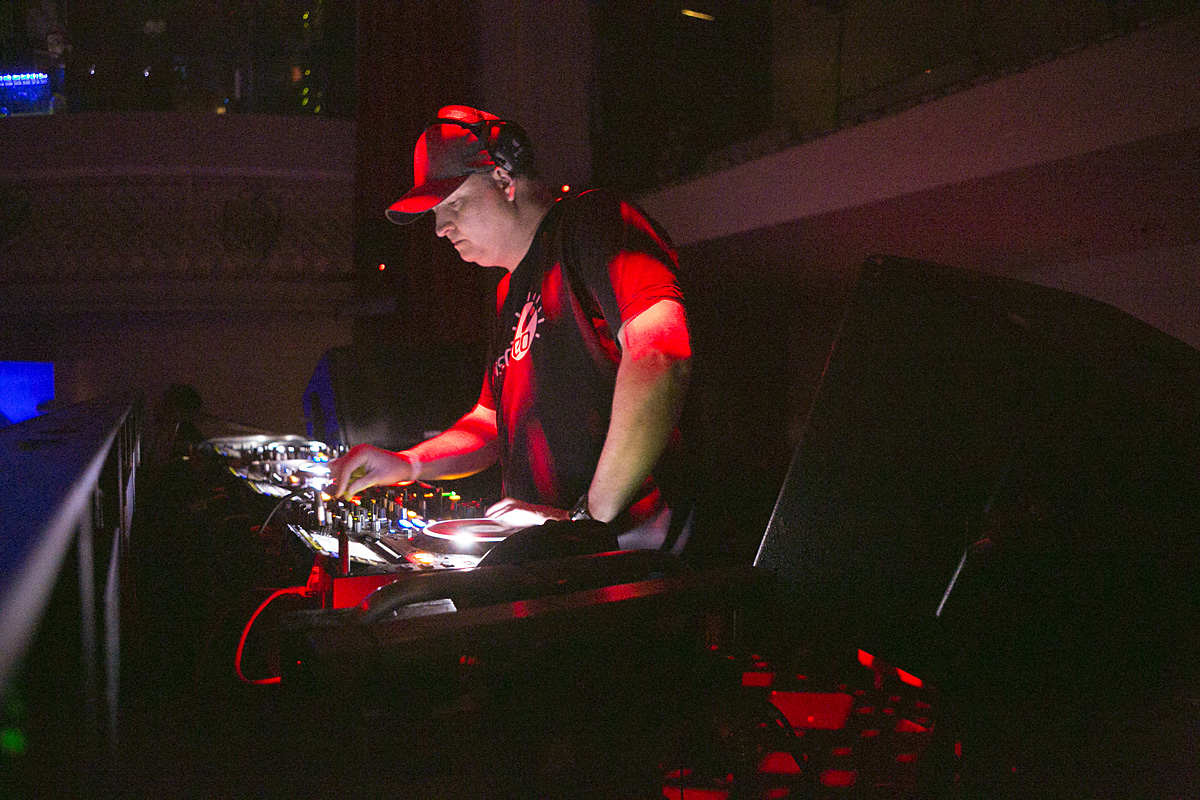 DJ Dan takes to the decks of Ruby Skye.