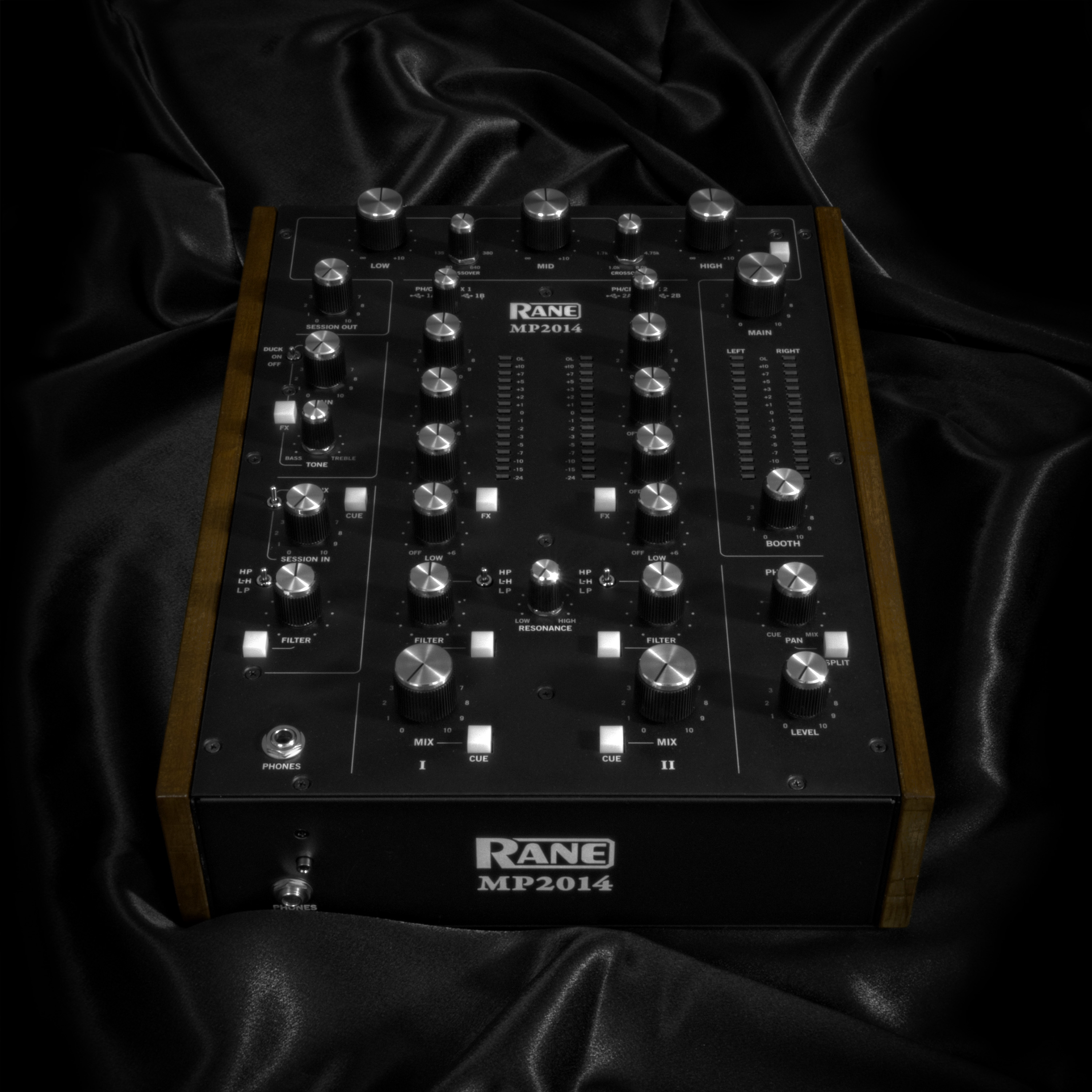 Knobs: Rane's MP2014.
