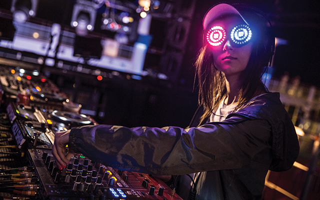 Wonder Goggles: Rezz in the mix. Erik Voake