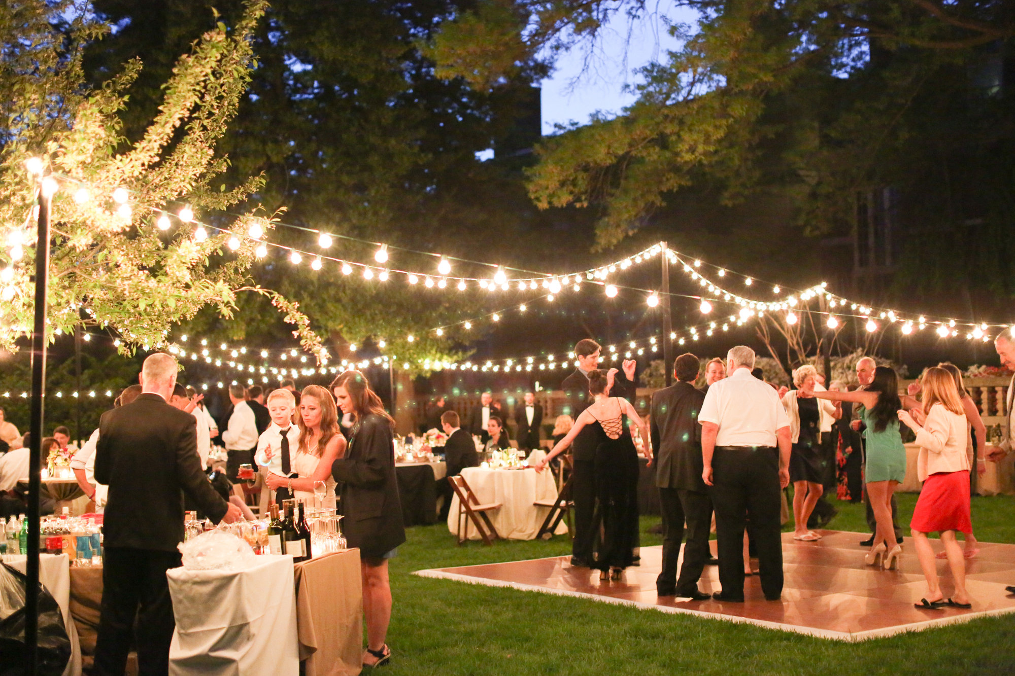 The great outdoors for Outside venues for weddings