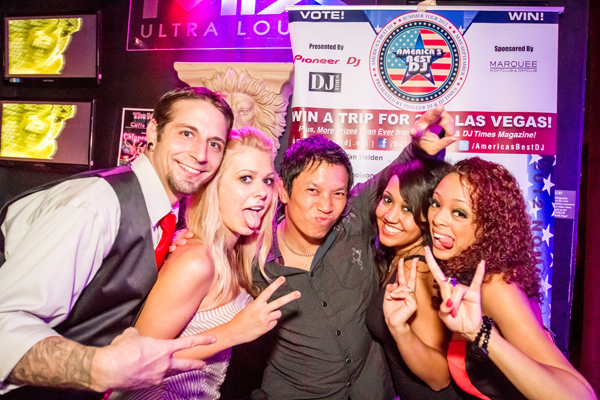 Georgia Jams: Roonie G (center) rocked Mix Ultra Lounge.