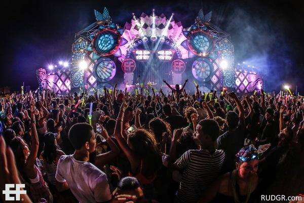 aruba u2019s electric festival 2015 offers big beats  ade